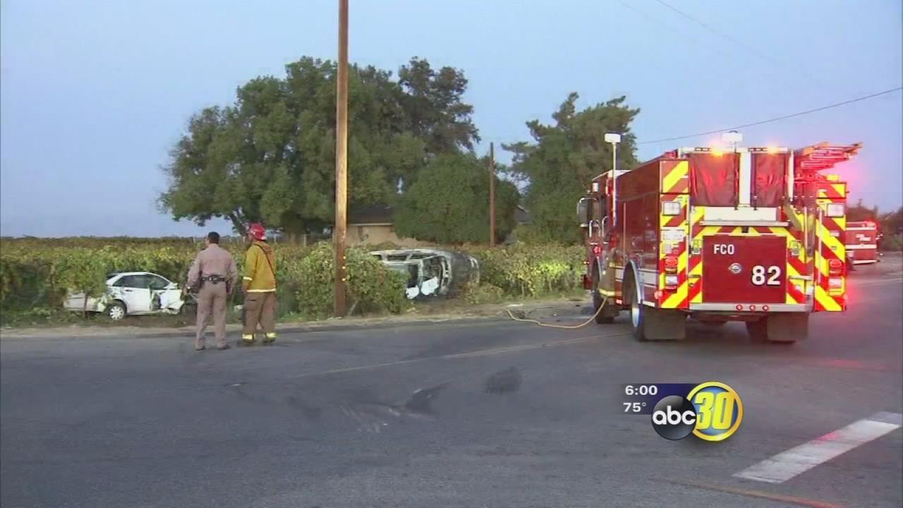2 people killed in crash in Fresno County