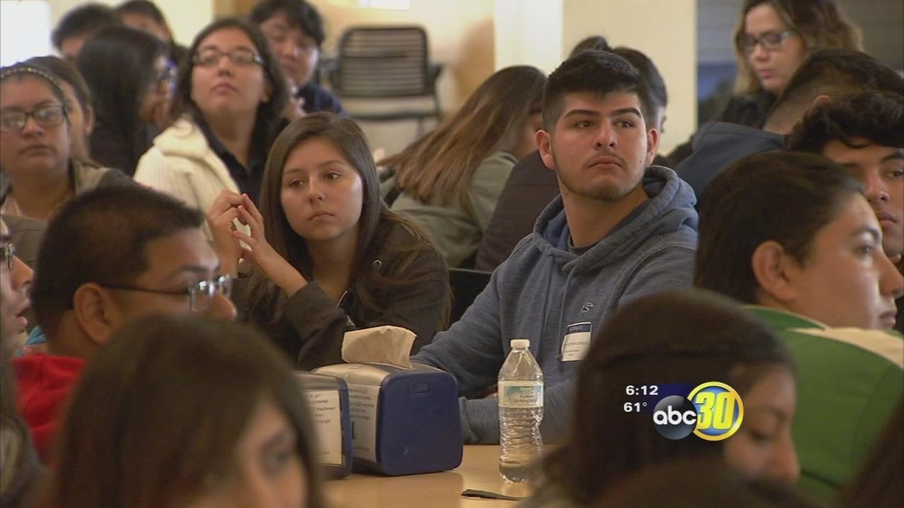 UC Merced gives high school students extra help for college applications
