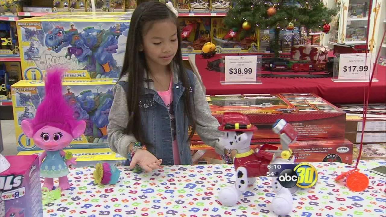 Toy expert letting parents know what toys are hot this holiday season