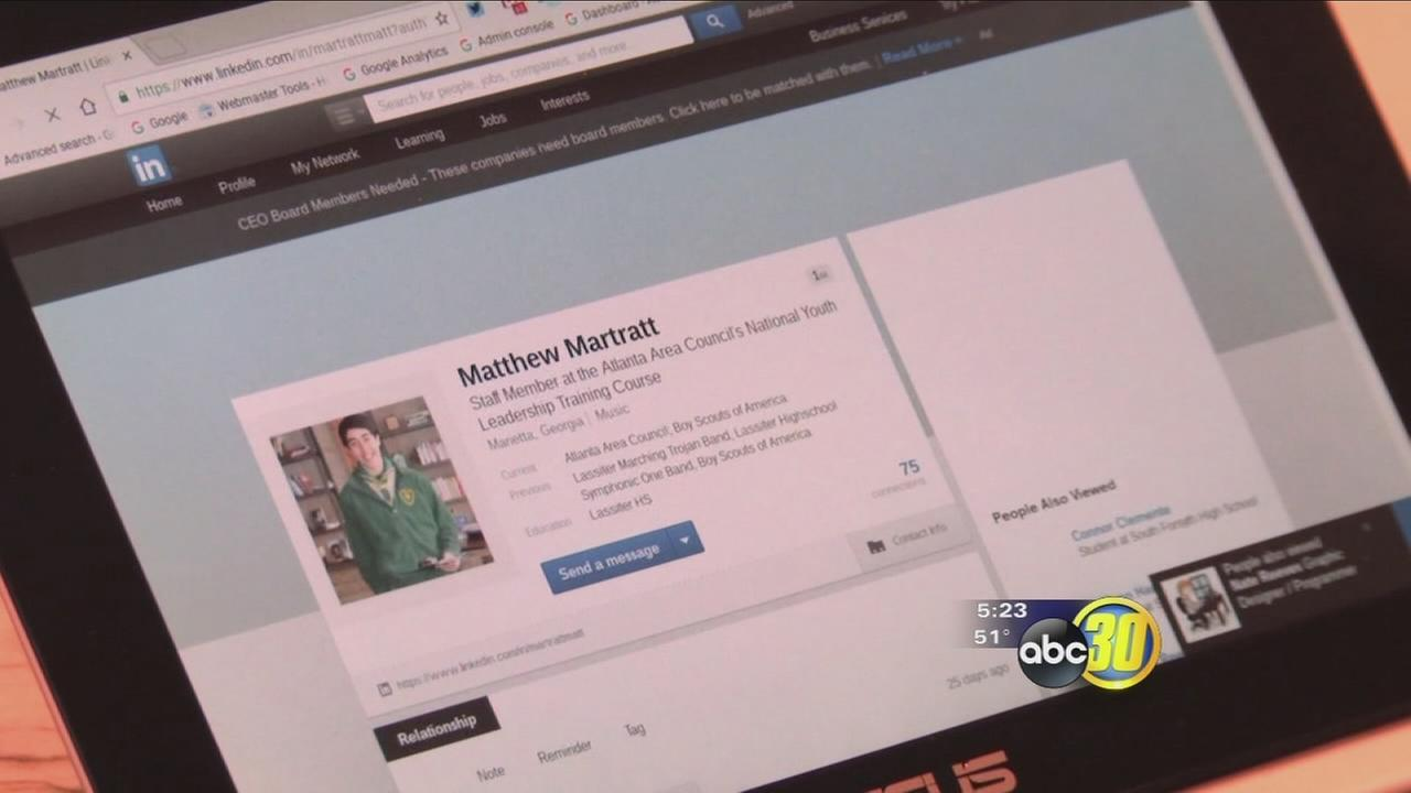 LinkedIn may help students apply for college