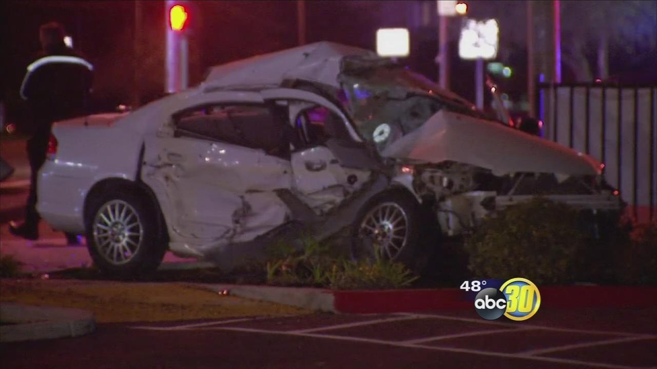 Woman dies in Northwest Fresno crash