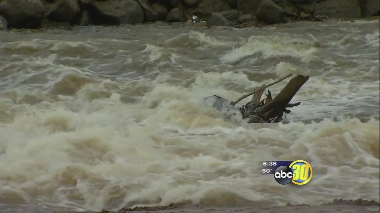 Tule River flows through Porterville as more water released from Lake Success