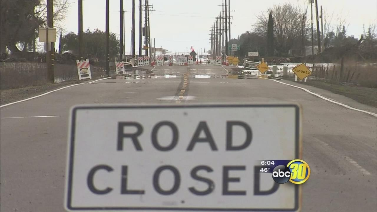 Caltrans hopes crews can clear Highway 59 flooding near Merced during clear weather