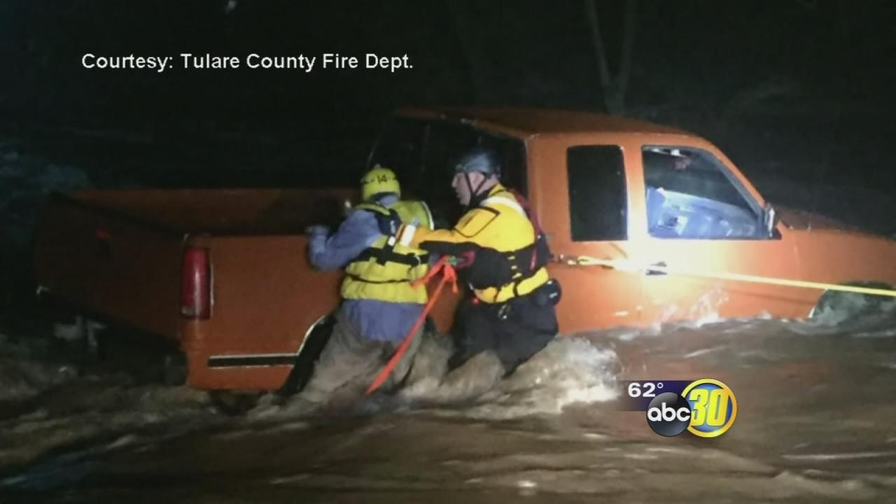 Man trapped in truck after flooding in Tulare County, rescuer describes harrowing moments