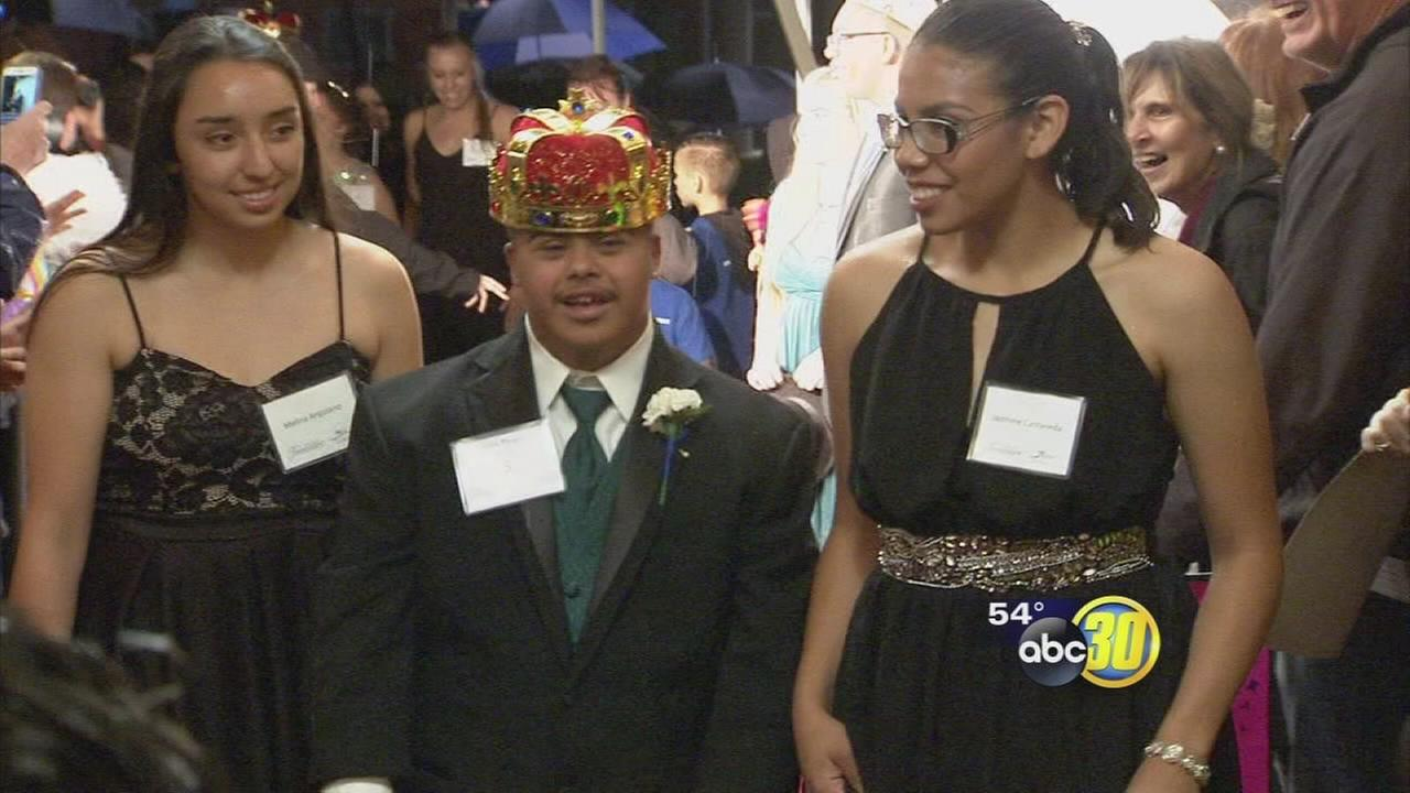 Fresno church throws prom night for teens with special needs