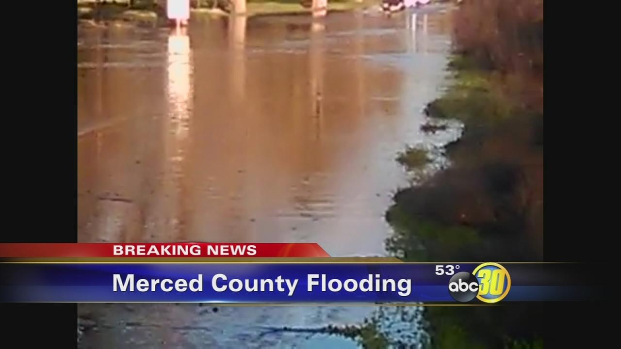 Levee break on the Merced River creates major flooding