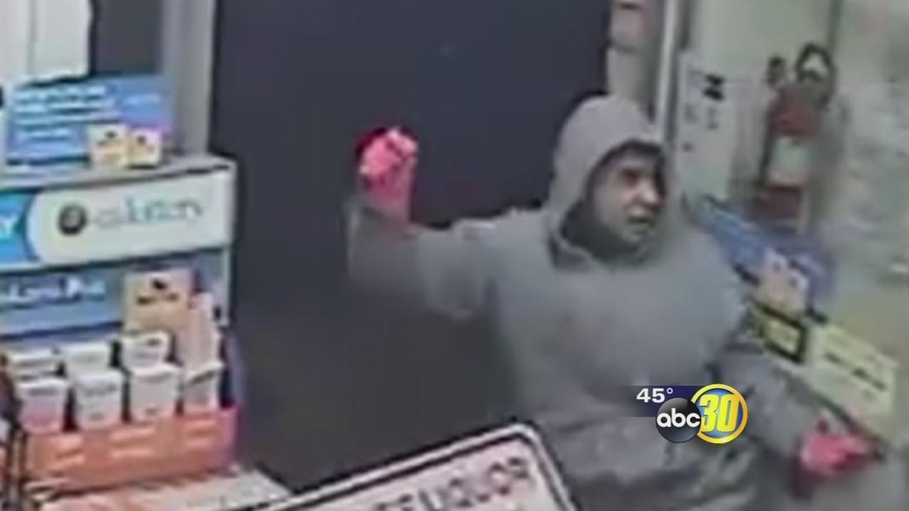 Fresno police looking for suspect who used hammer to rob liquor store