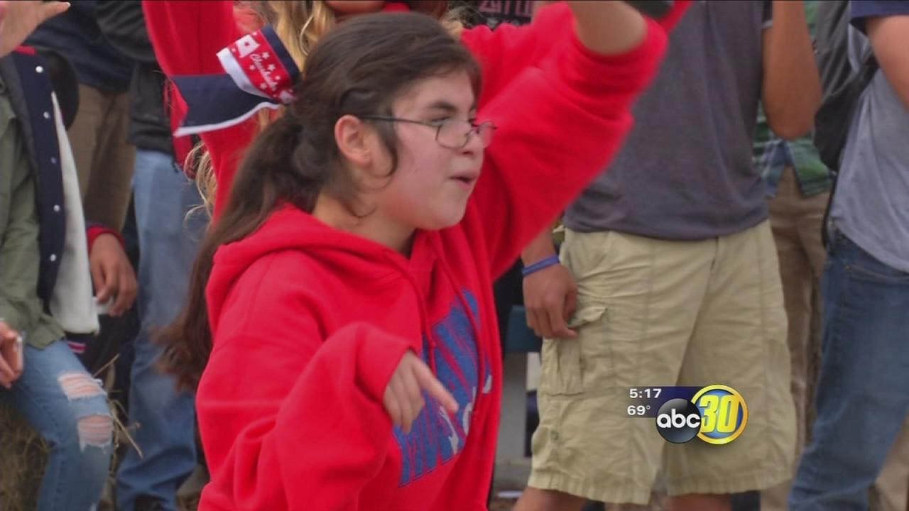 Tulare Western special needs student granted wish of dancing with cheer team