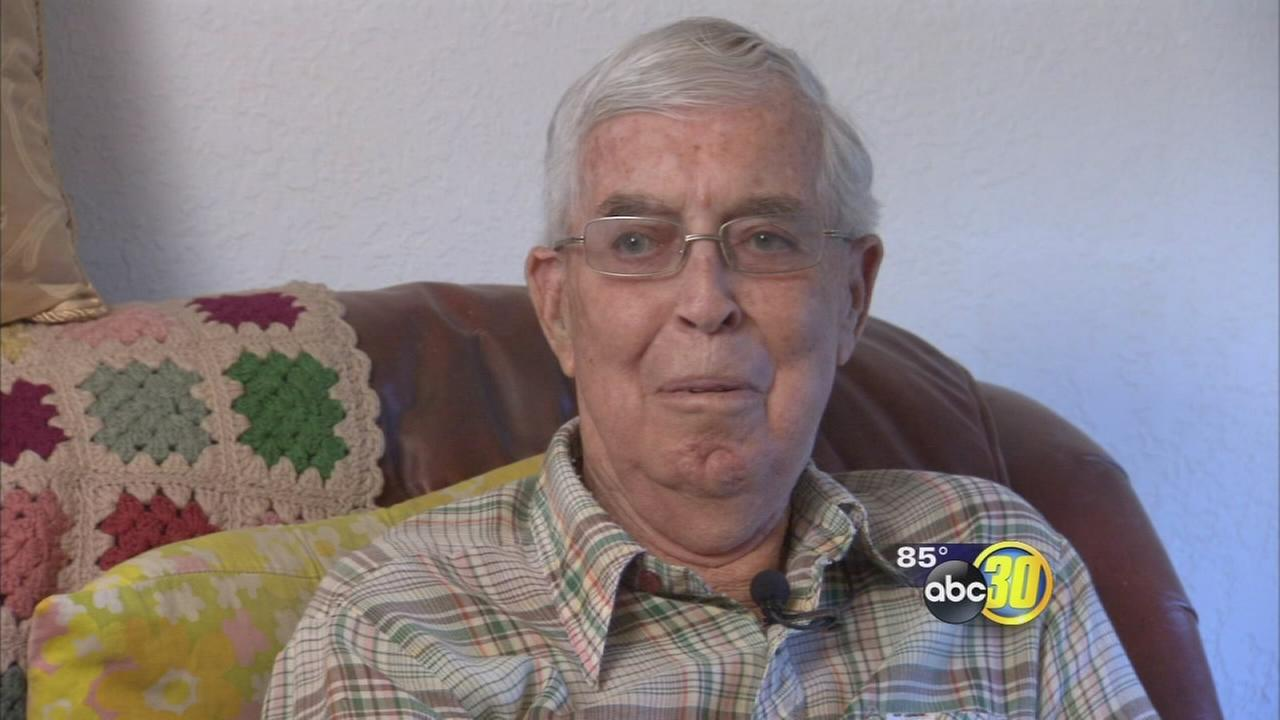 WWII veteran, 93, becomes burglary victim while running errand