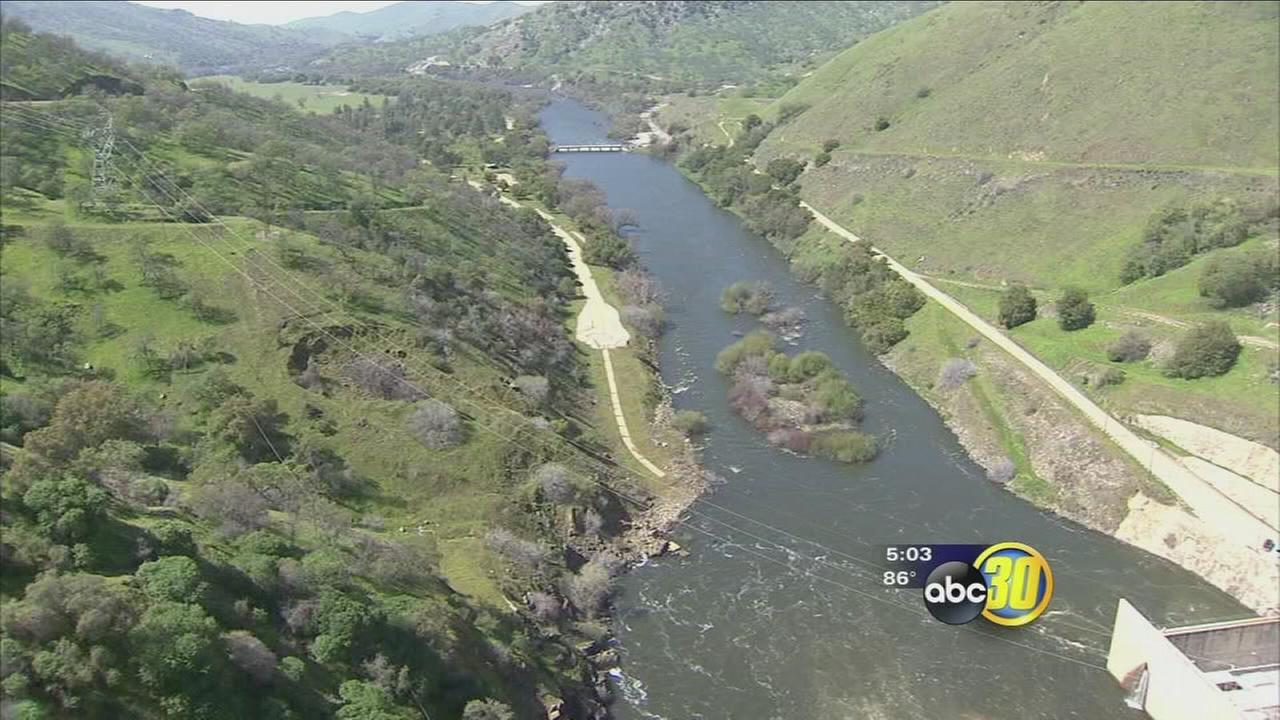 Warm weather melting snow quickly causing rivers and concerns along the Kings River to rise