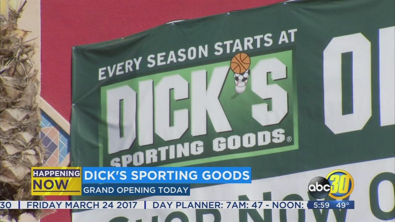 New Dicks Sporting Goods store opens in Riverpark
