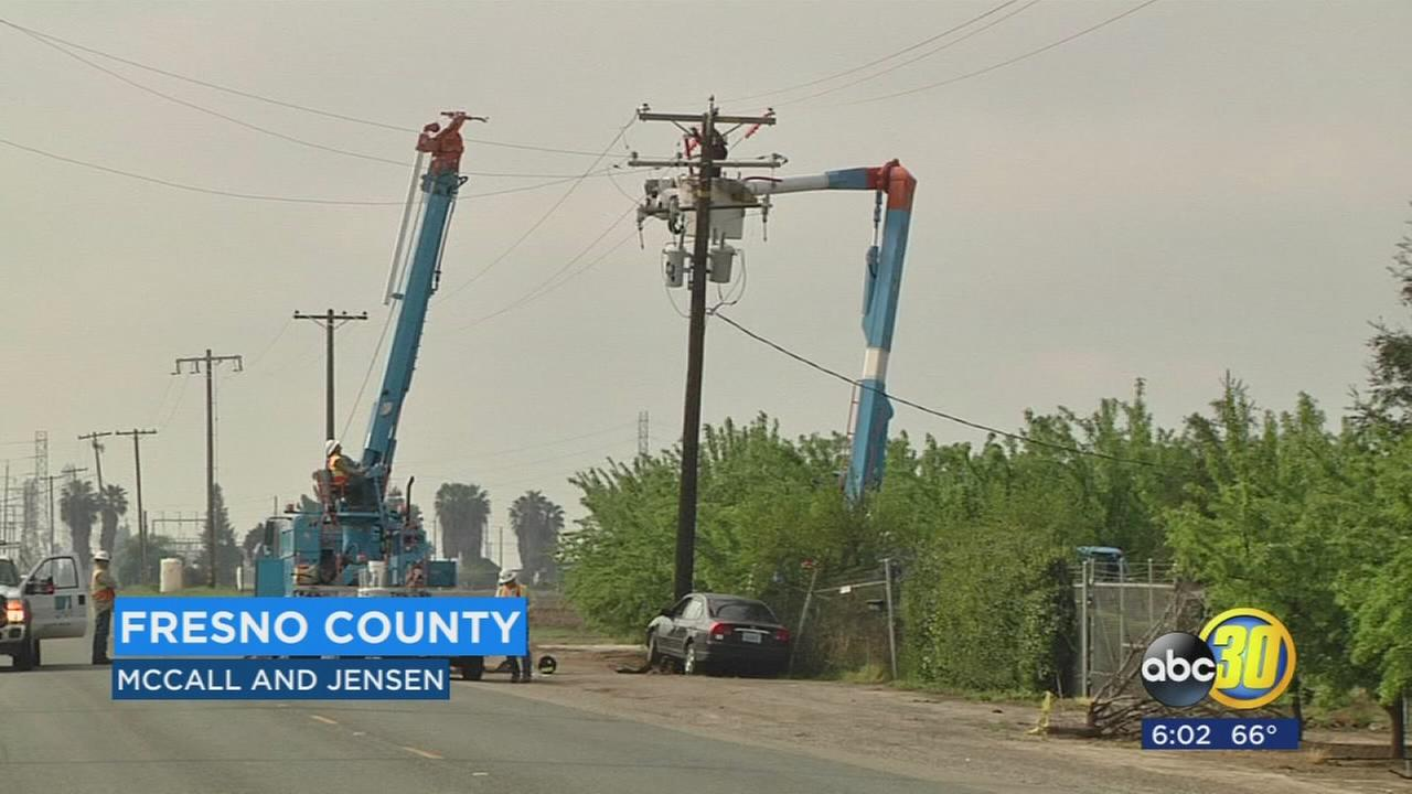 Multiple power outages in Fresno County after car crashes into power pole