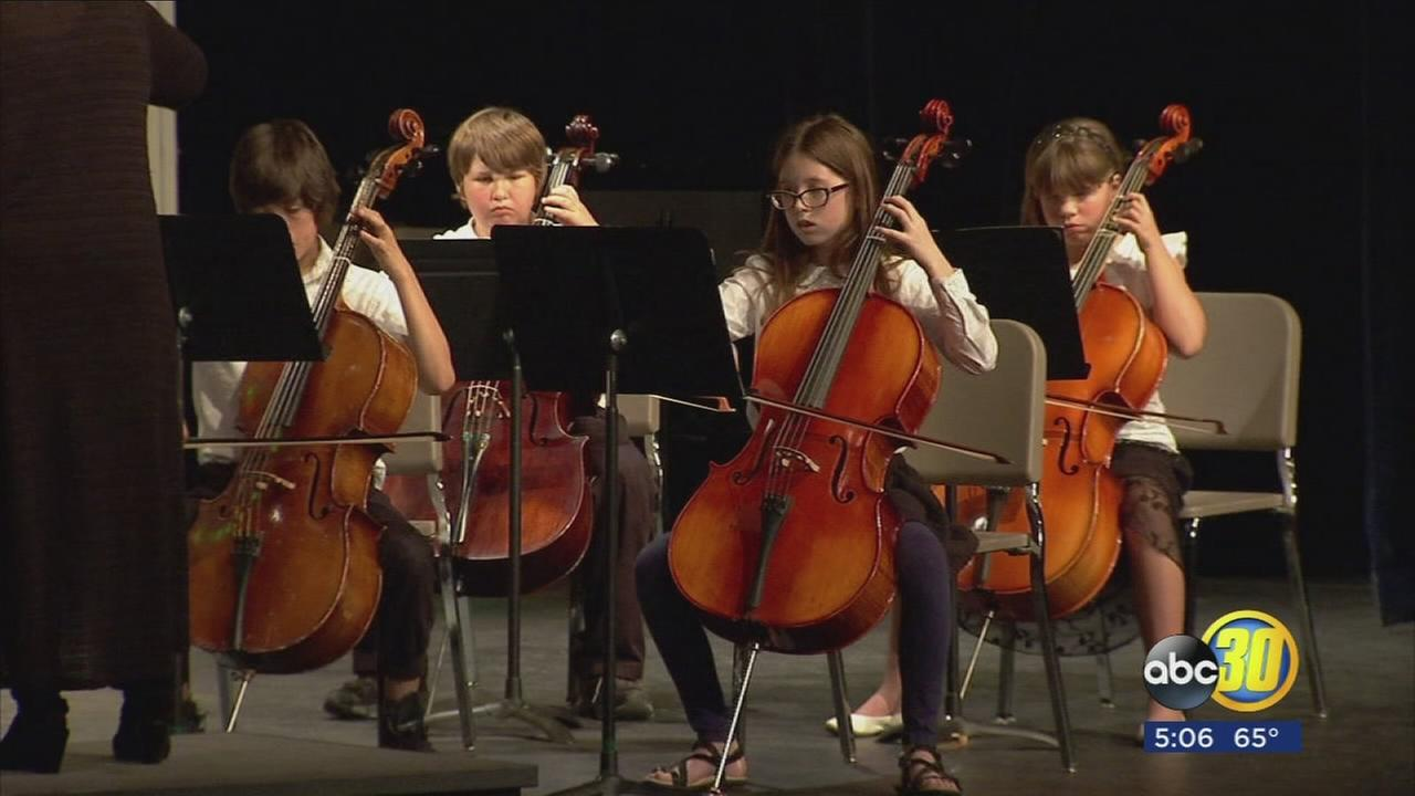 Fresno Unified music students get feedback from local music professionals