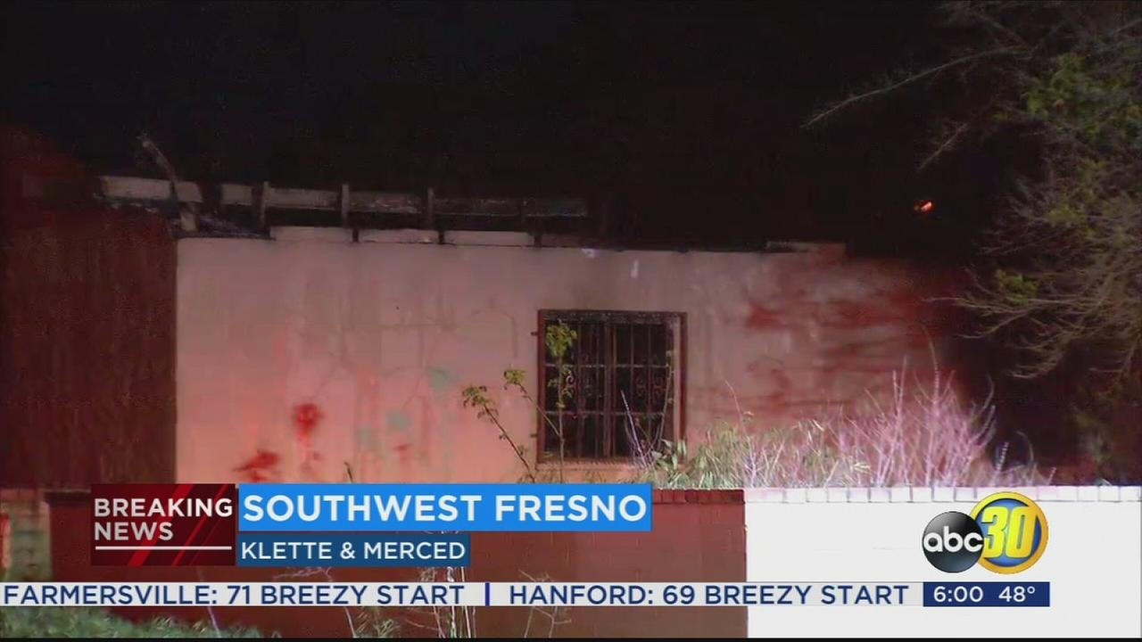 Crews battle garage fire in Southwest Fresno