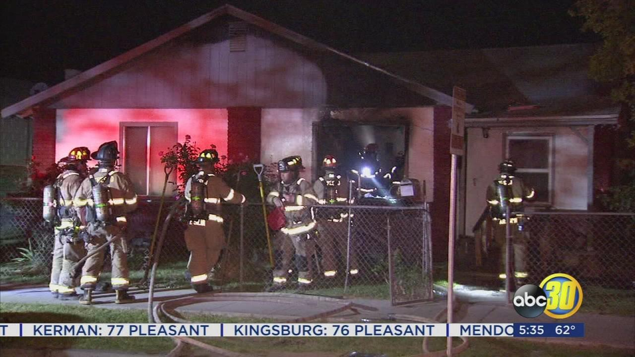 2 injured in Southwest Fresno house fire
