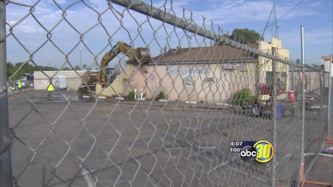 Former bar demolished as high-speed rail construction begins in Fresno