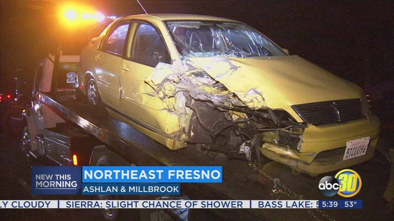Driver smashes several parked cars in Fresno apartment complex
