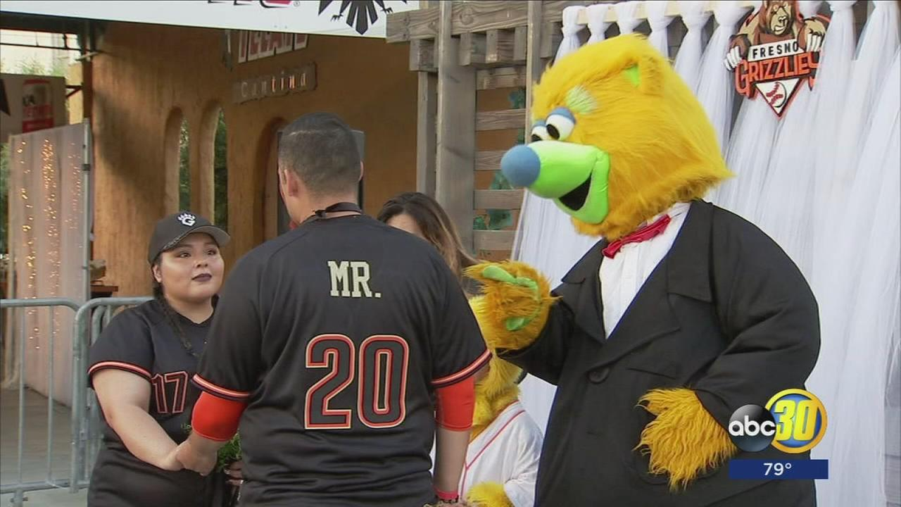 grizzlies mascot officiates couples wedding at chukchansi