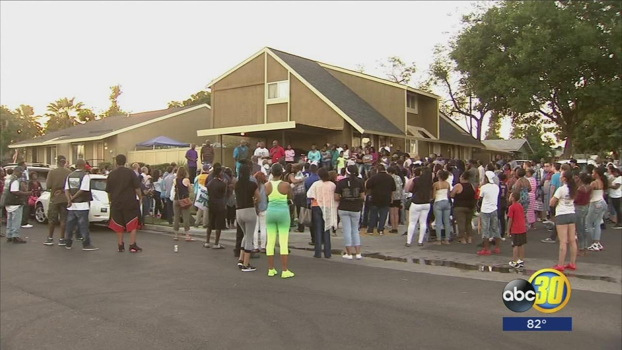 Friends and family hold vigil for Fresno teen killed in gang shooting
