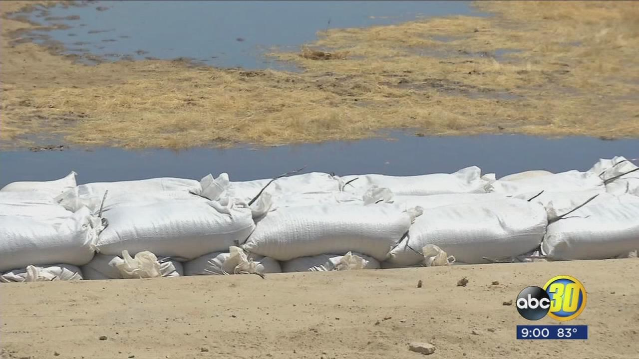 Irrigation District starts sandbagging Lake Success Spillway after Corps approves request