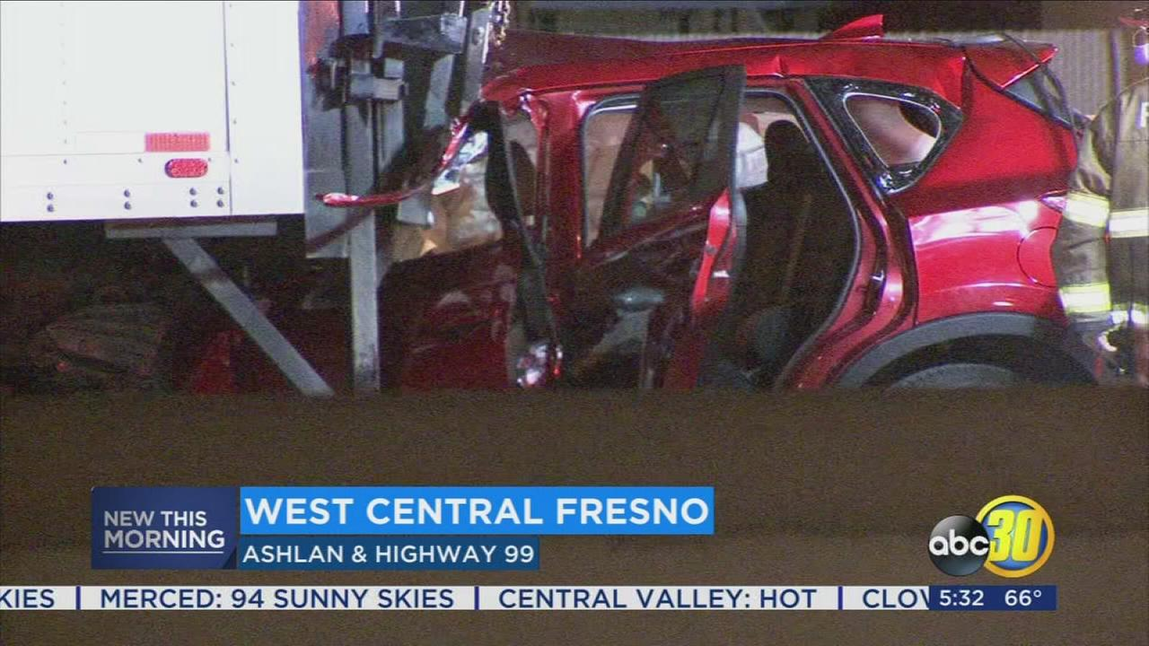 2 injured in Highway 99 crash in Fresno