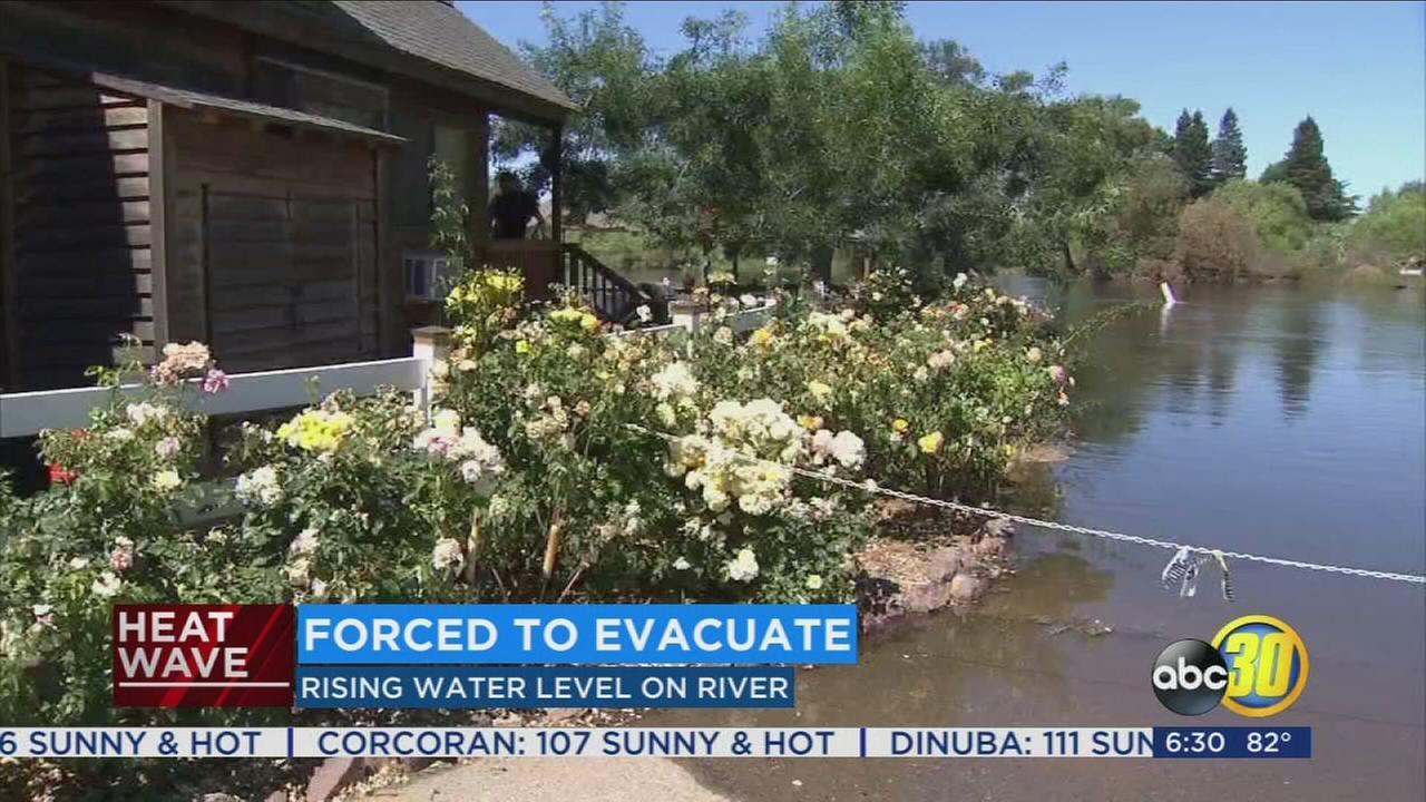 Riverland Resort in Kingsburg evacuated as Kings River floods