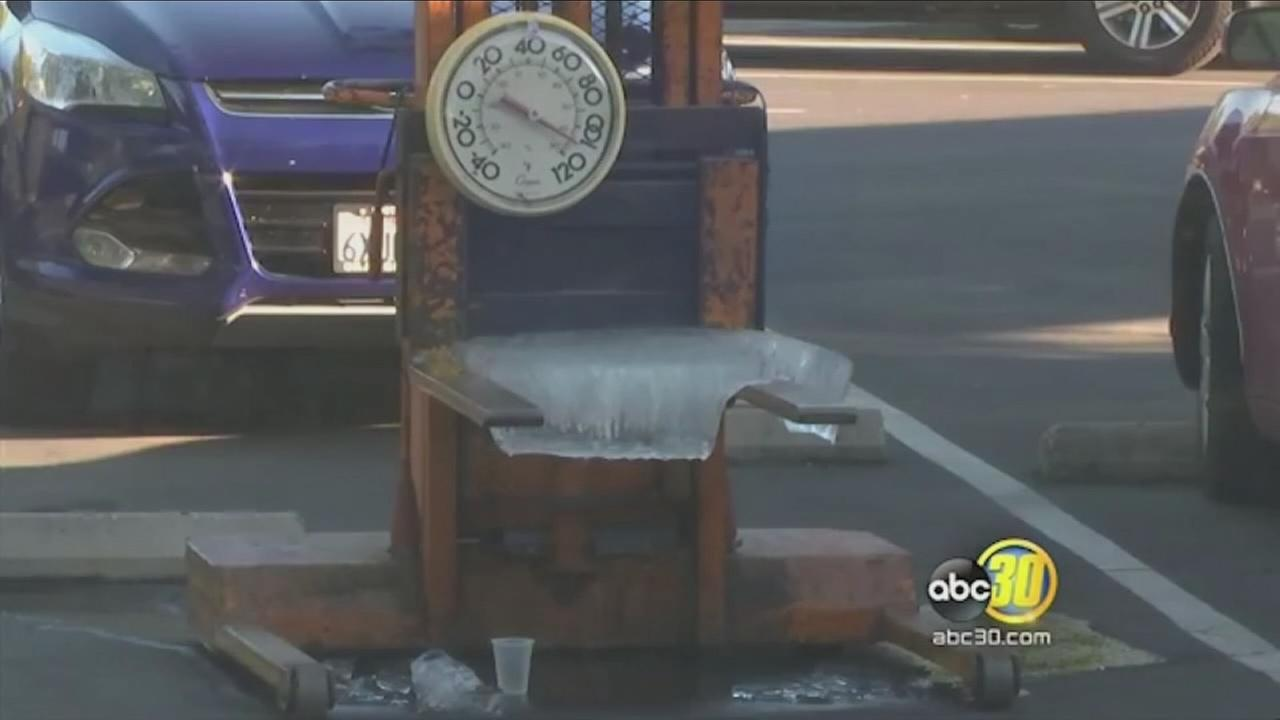 VIDEO: How long does it take for 300lbs of ice to melt in the Valley heat?