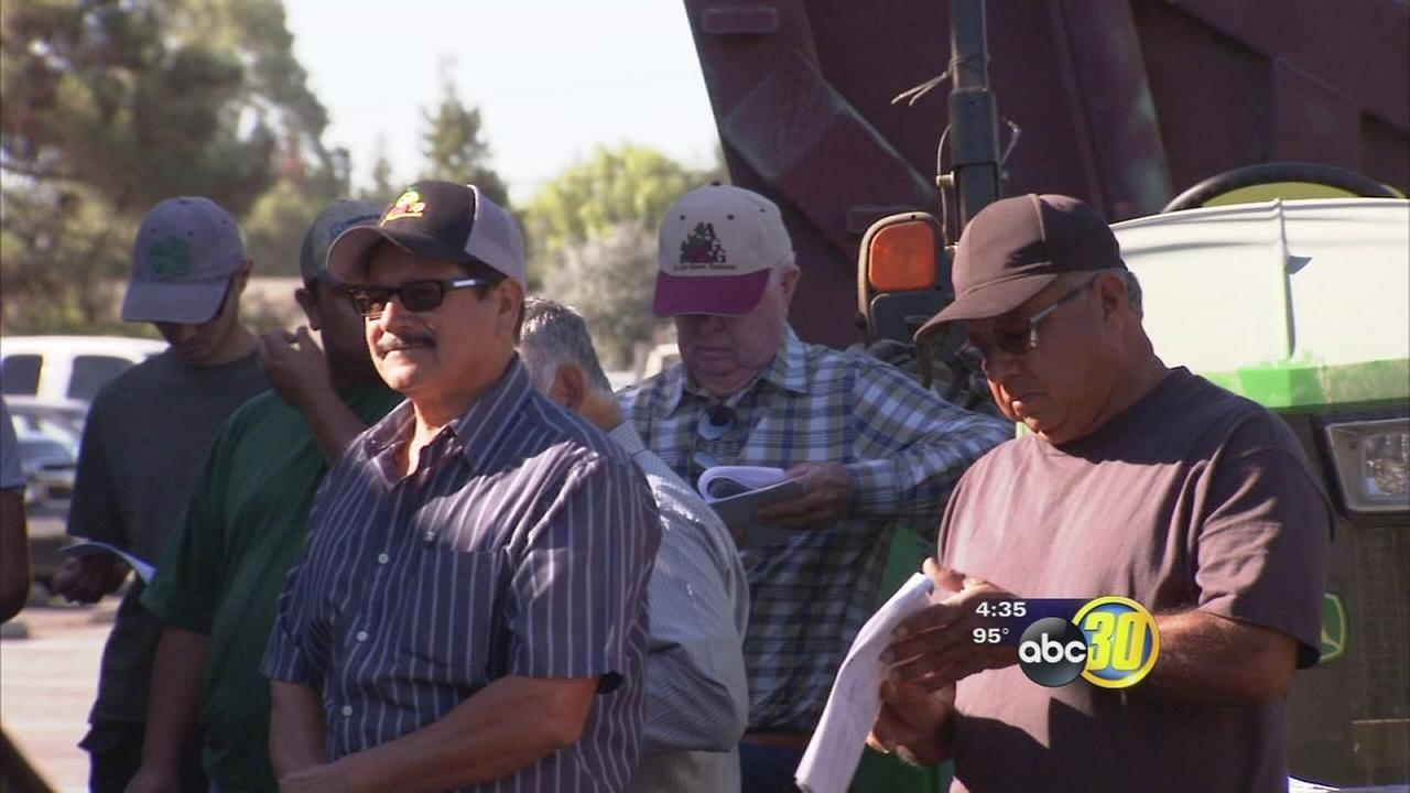 Training day comes as Valley farmers prepare to harvest grapes