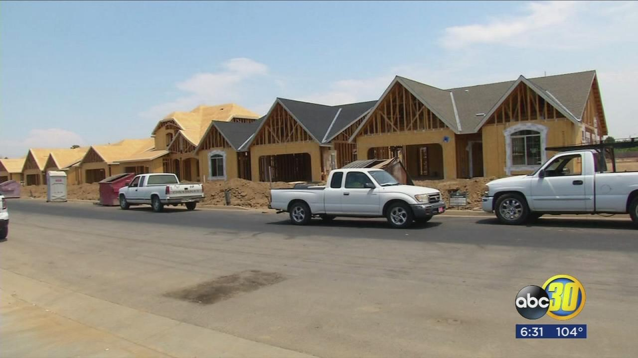 As Visalia grows and market improves, hundreds of new homes being built