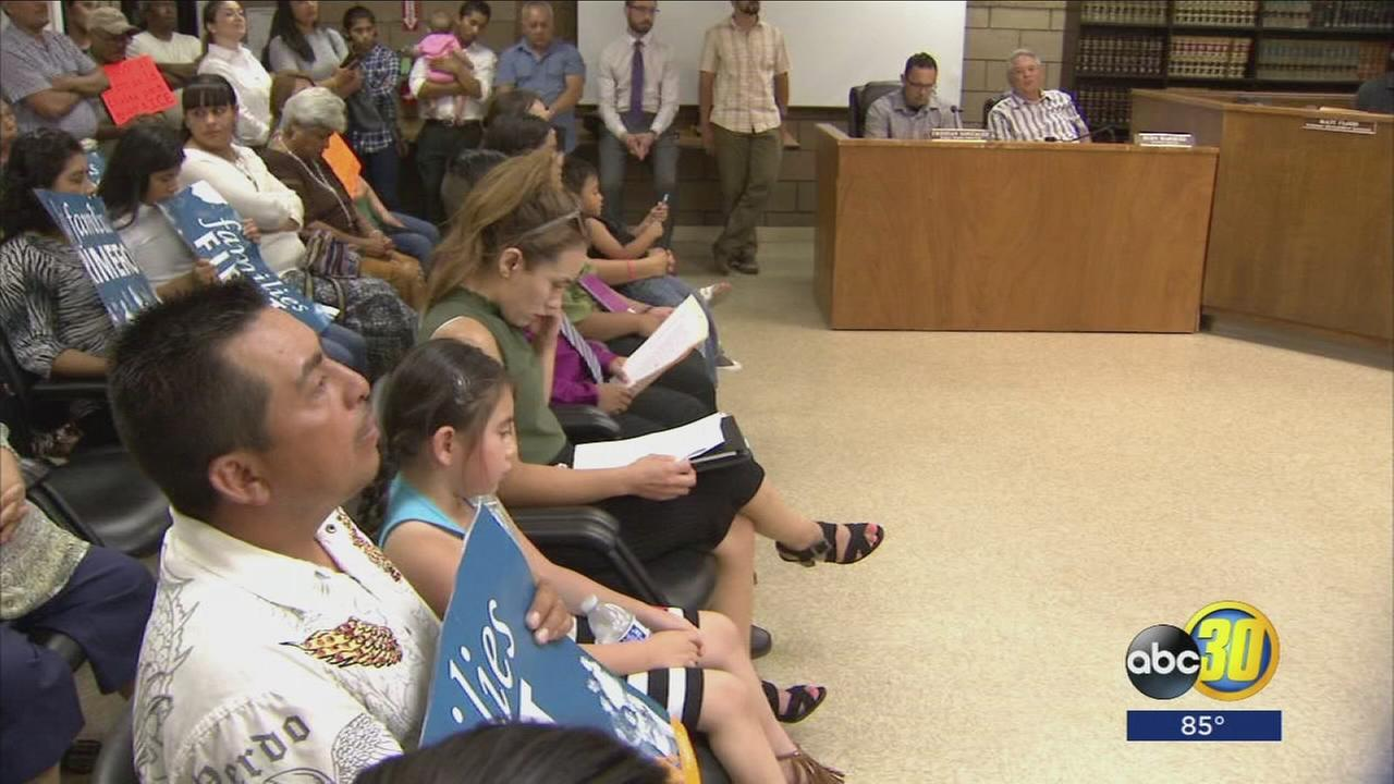 Families of undocumented immigrants ask Mendota City Council to make town a Sanctuary City