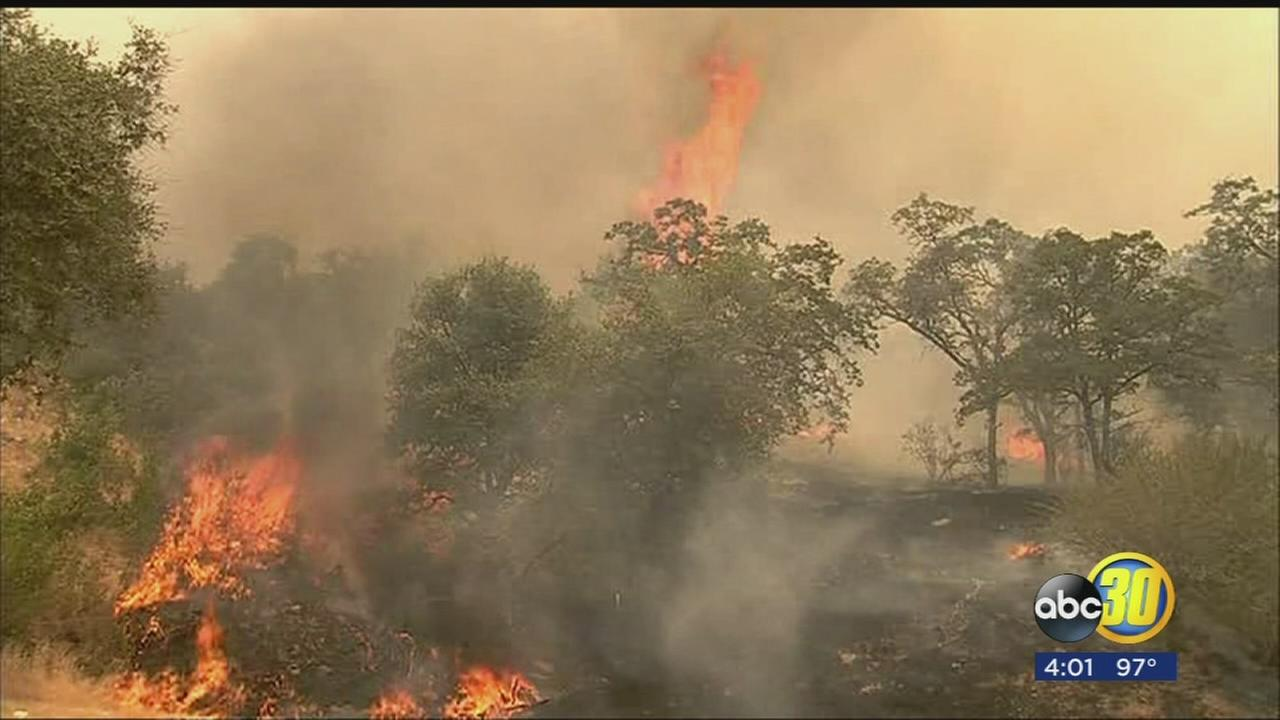 More than 2,000 fire personnel battling fast moving flames of Detwiler Fire in Mariposa County