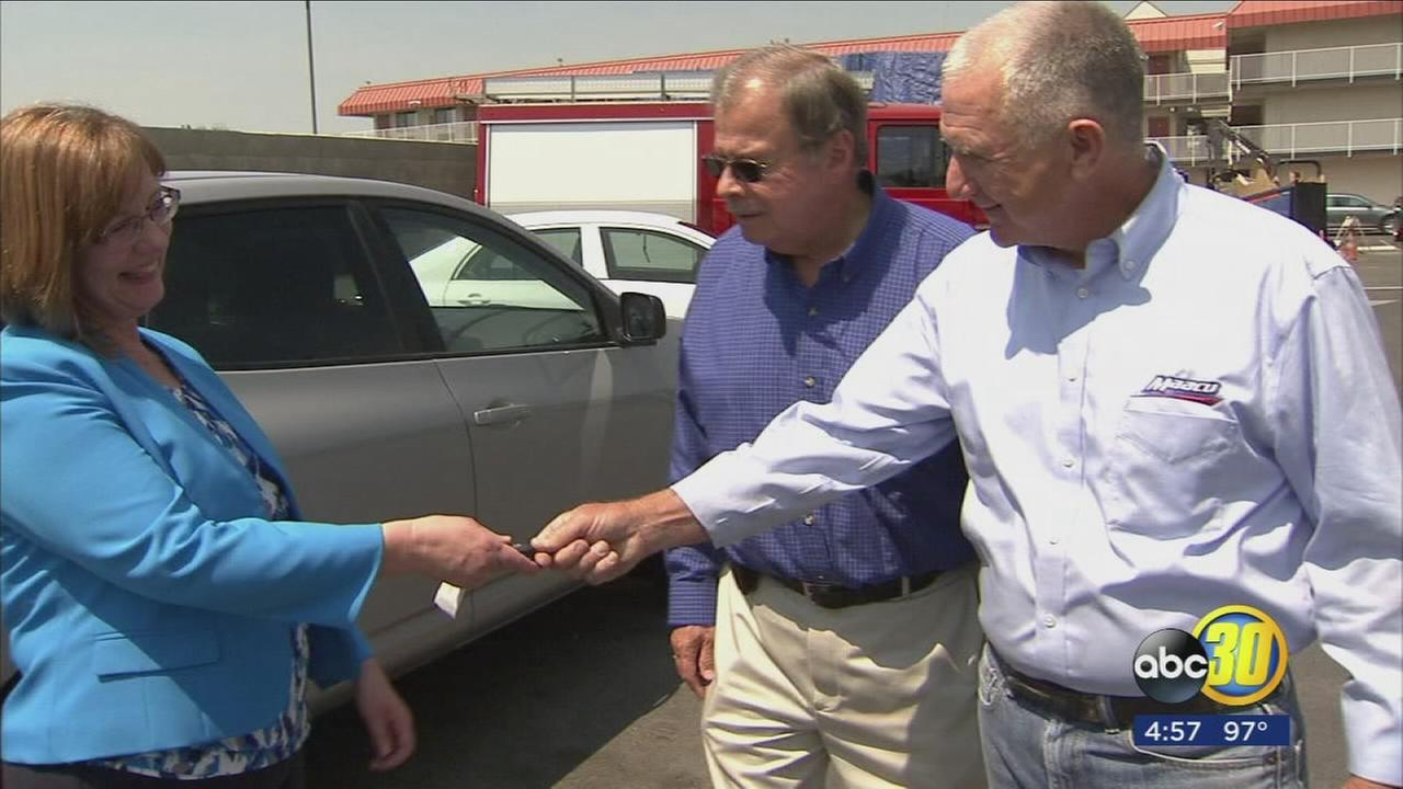 Fresno business donates car to Modesto shelter