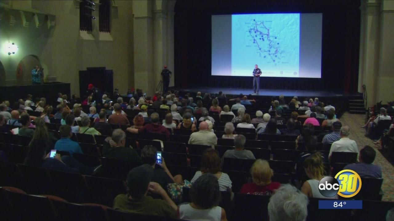 Community meeting in Merced held by Cal Fire about Detwiler Fire gives evacuated residents glimmer of hope