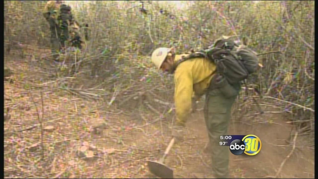 Crews working to keep El Portal Fire from spreading