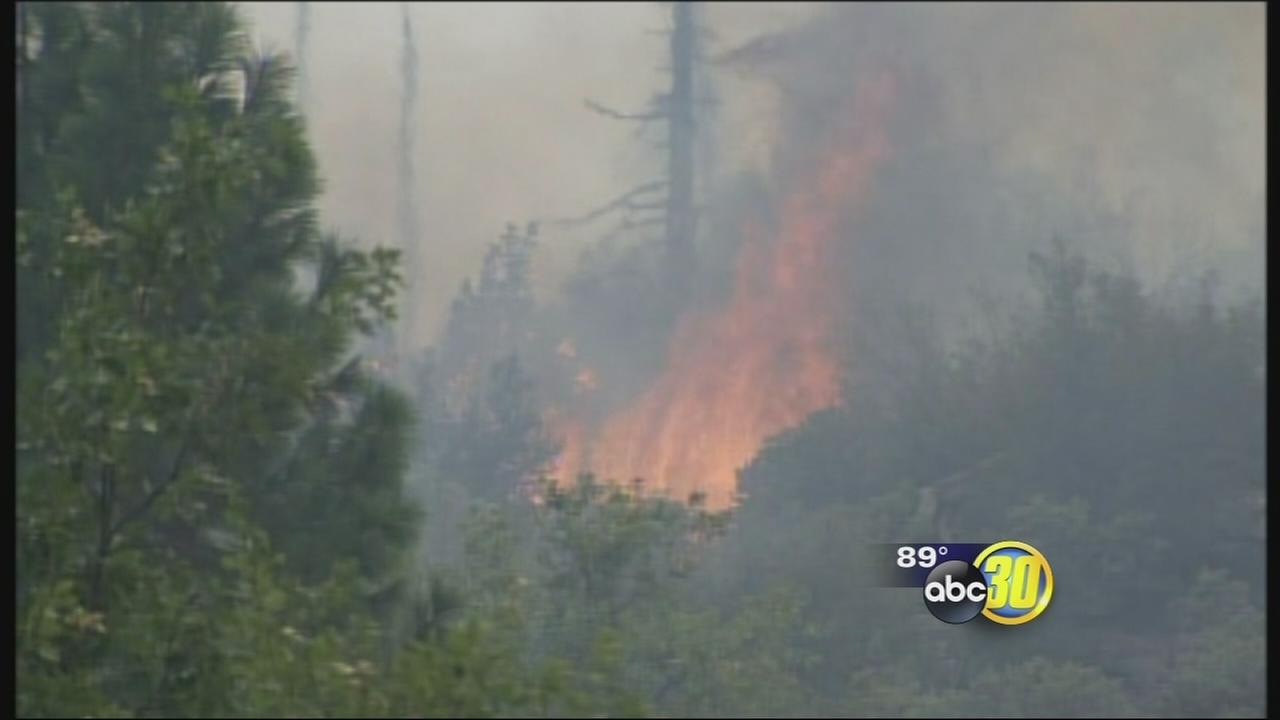 Wildfire near Yosemite National Park chars 2,700 acres