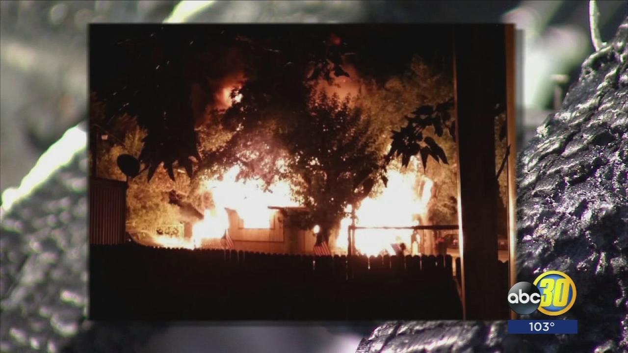 Fire inside Central Fresno mobile home leaves man injured