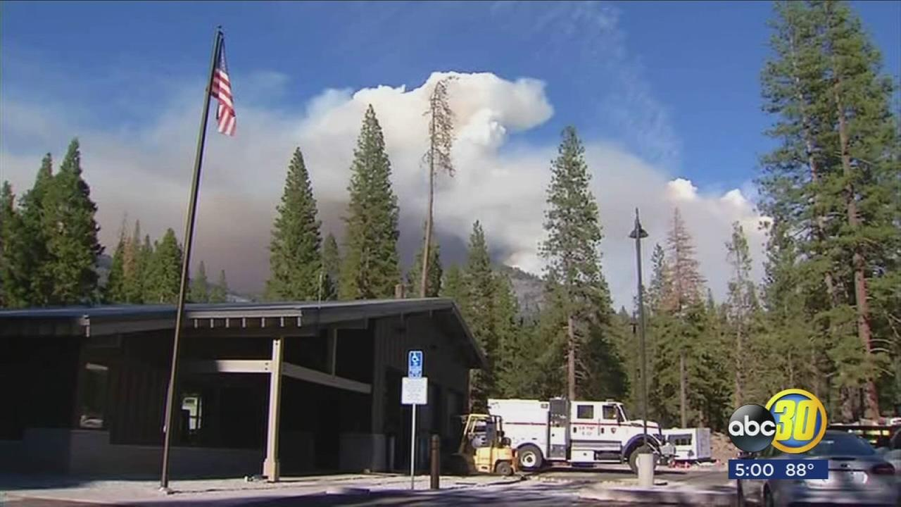 Visitors continue to go to Yosemite while South Fork Fire continues to burn near Wawona