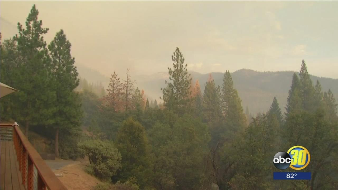 Smoke building over Yosemite as South Fork Fire continues to encroach on Wawona