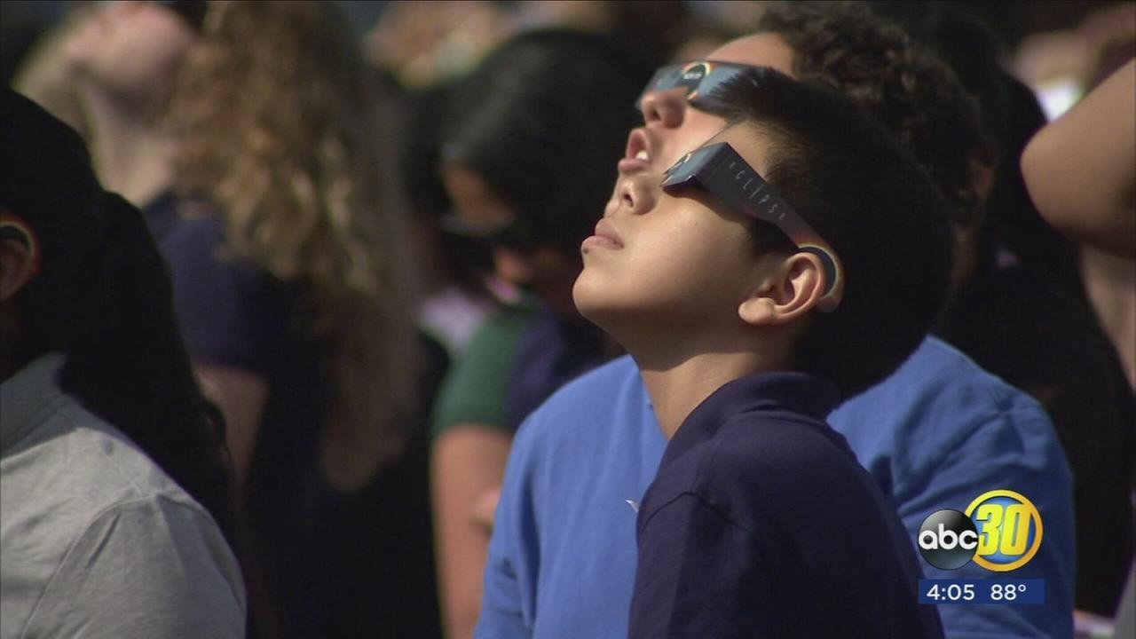 Valley teachers use solar eclipse as unique science lesson for students