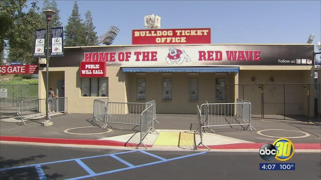Fresno State football fans will be able to buy beer this