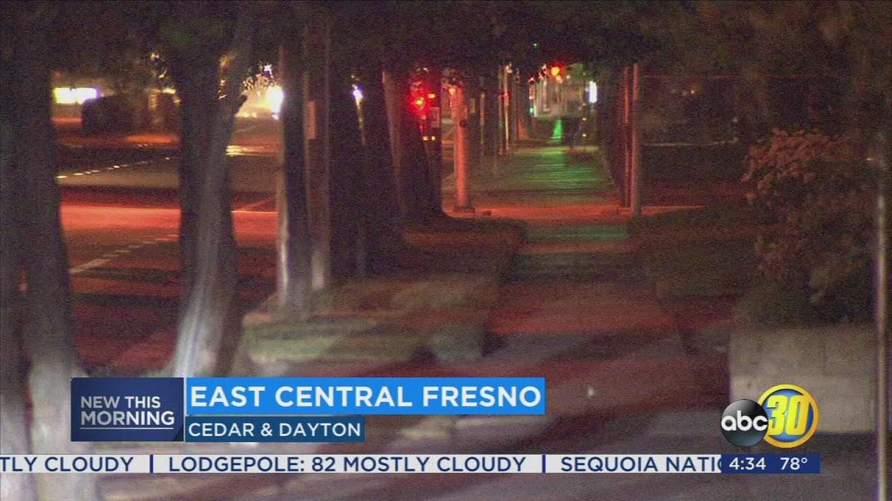 Fresno Police look for suspects after man stabbed in Fresno