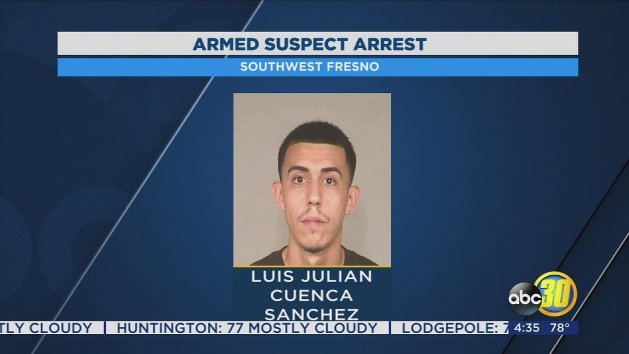 Man used shotgun to keep girlfriend and child captive, Fresno Police say