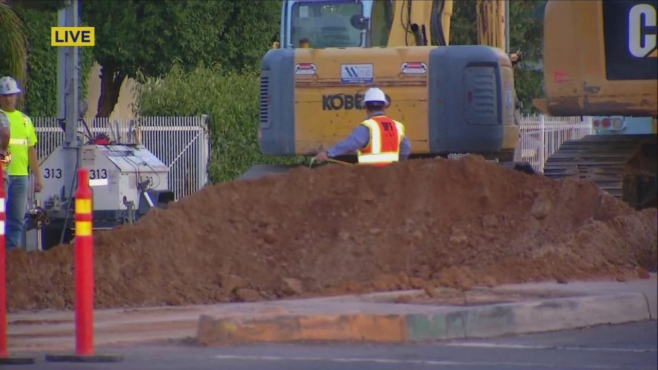 Gas leak shuts down East Central Fresno intersection