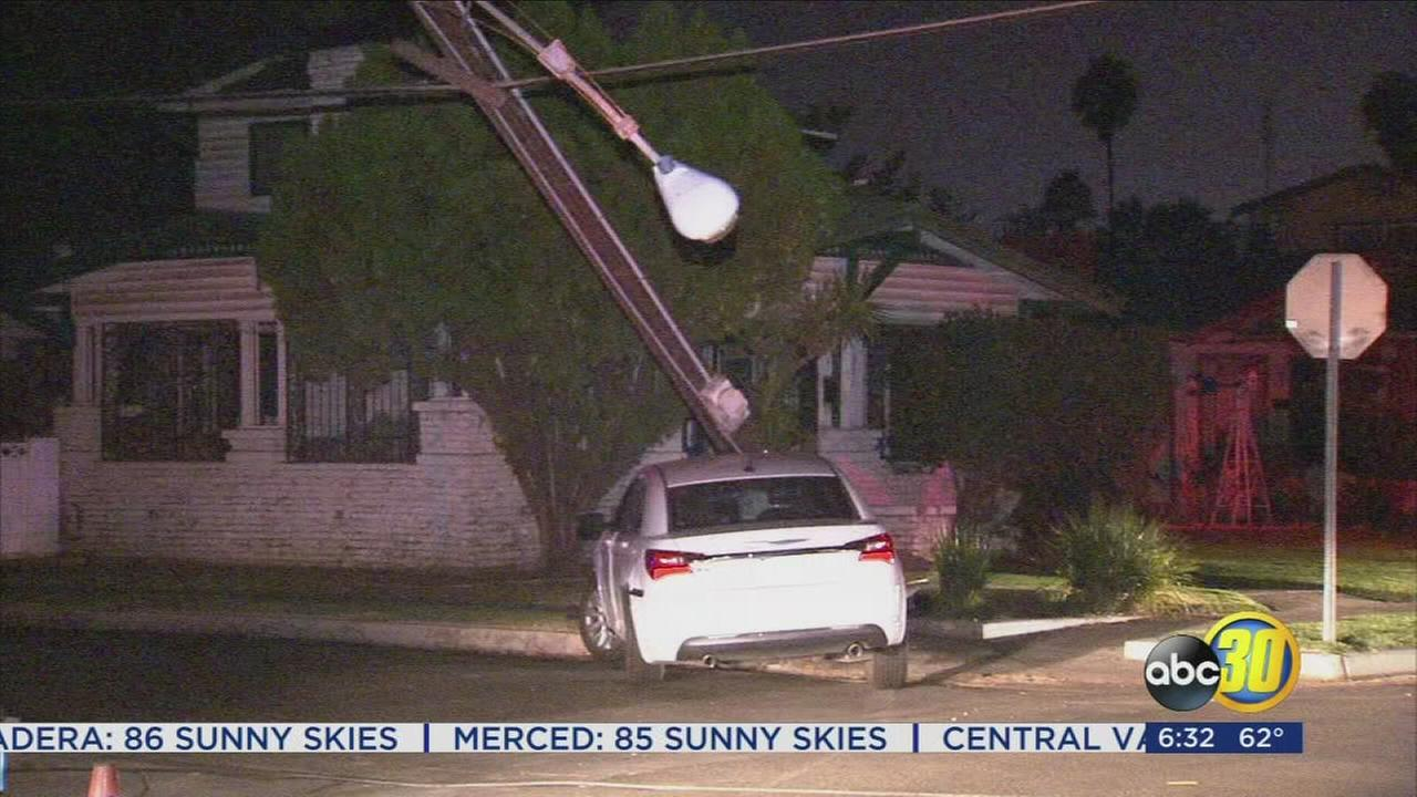 Car crash takes out power to 3,000 people in Central Fresno