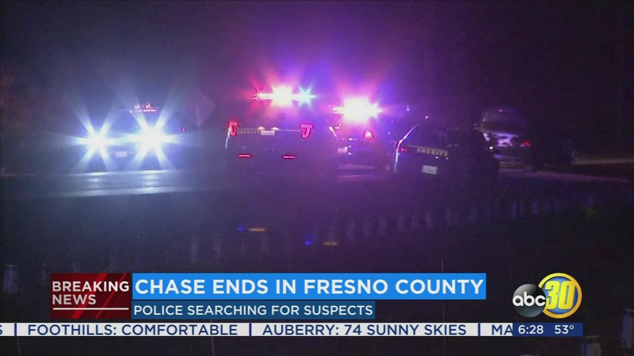 Police search for suspects after high-speed chase near Sanger