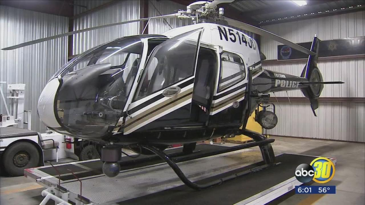 Fresno Police Skywatch Helicopter Crew gets hit with green laser and pursues suspect through Fresno
