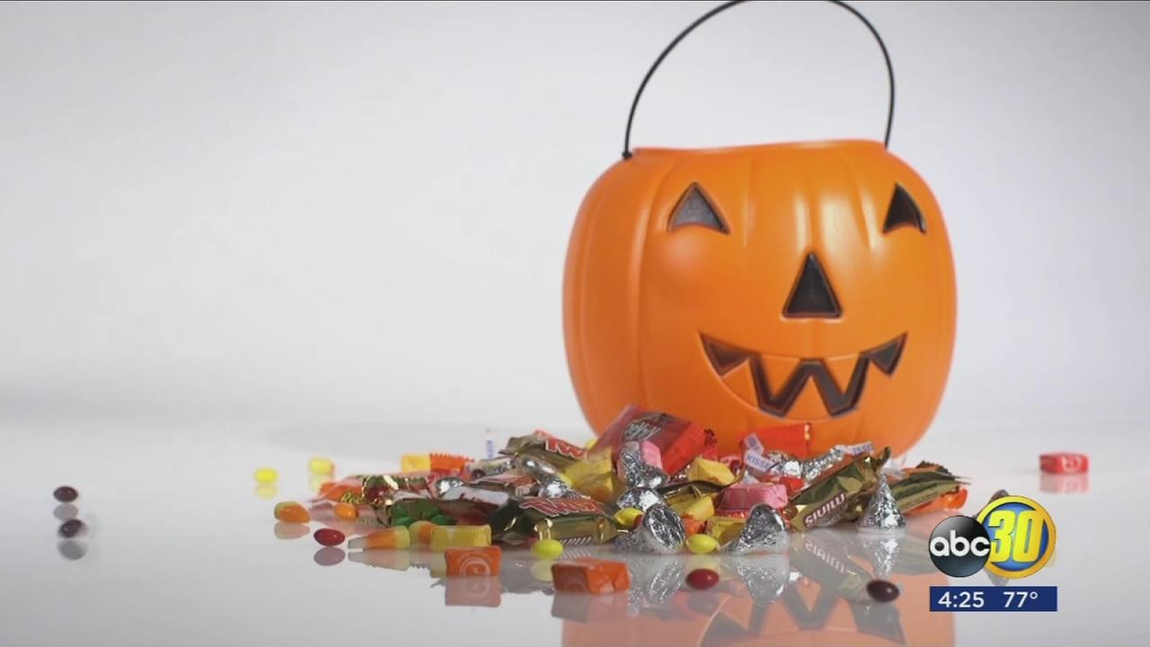 100 calories of Halloween candy/watching your treats total