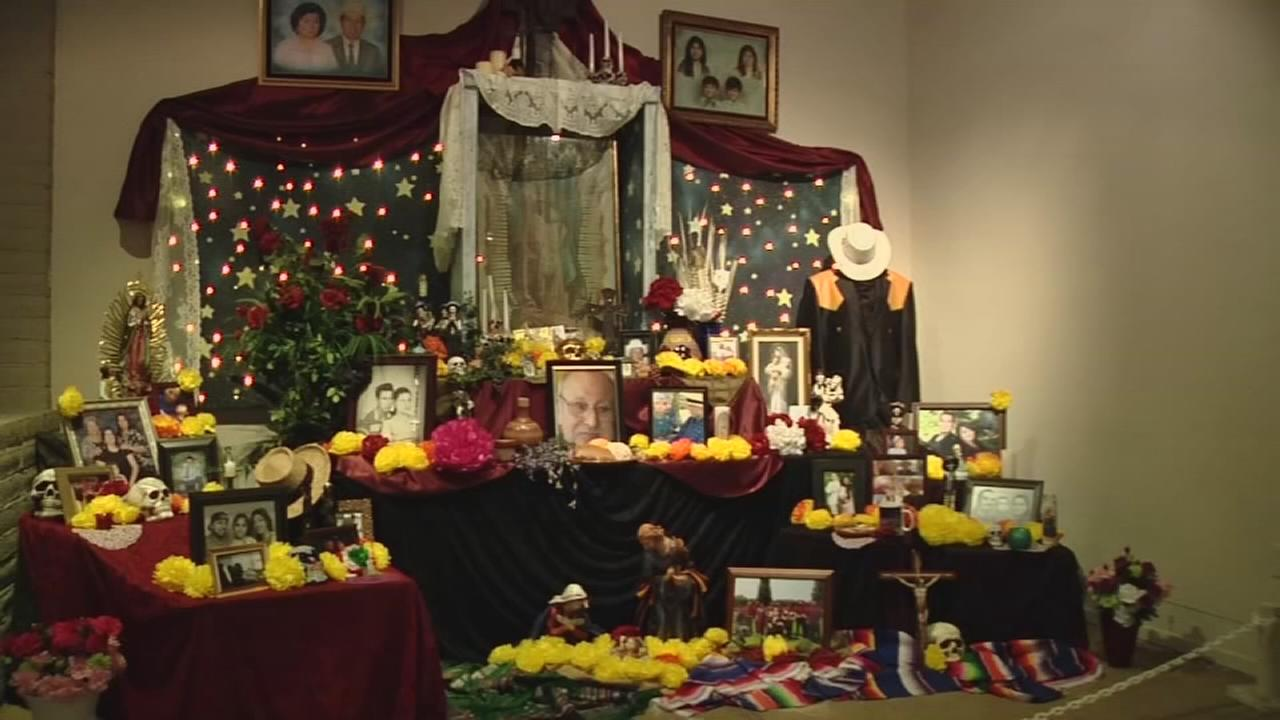 Making your own altar for Dia de los Muertos