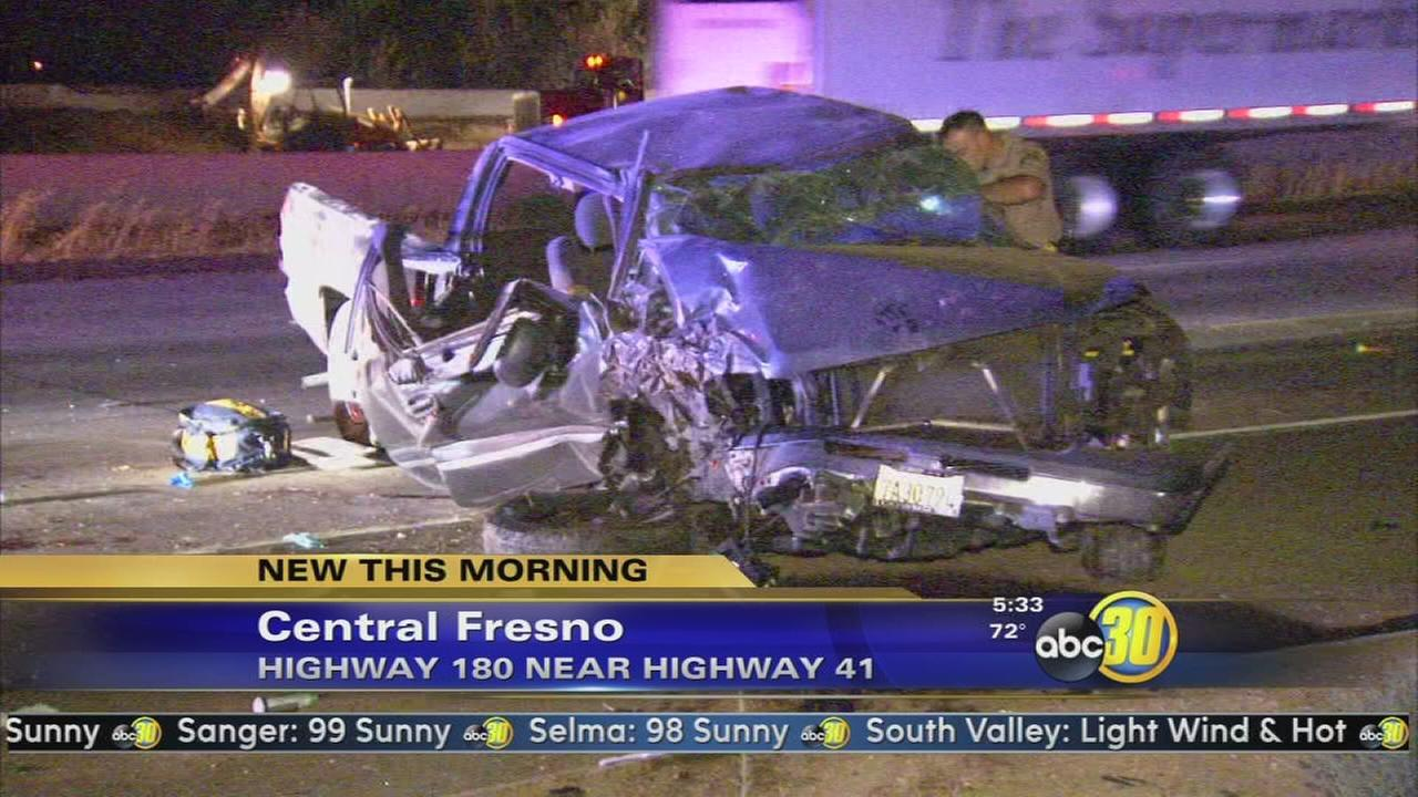 3 injured in single vehicle crash in Fresno