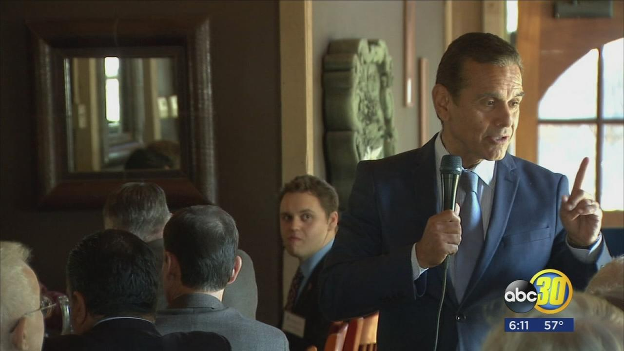 Former Los Angeles Mayor Antonio Villaraigosa visits the valley